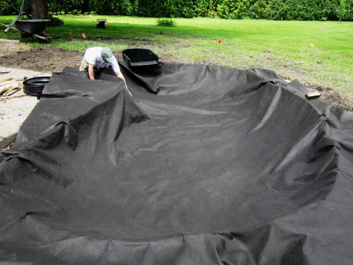 How to build a water garden - underlayment installed